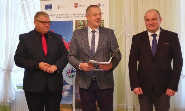 Przebudowa drogi  wmiejscowości Broniszewice (przy szkole).